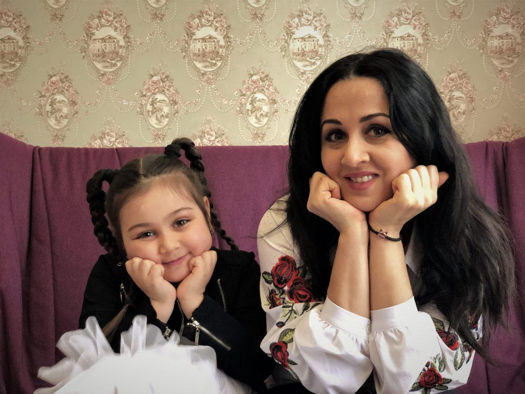 Мама и дочка – они так похожи!