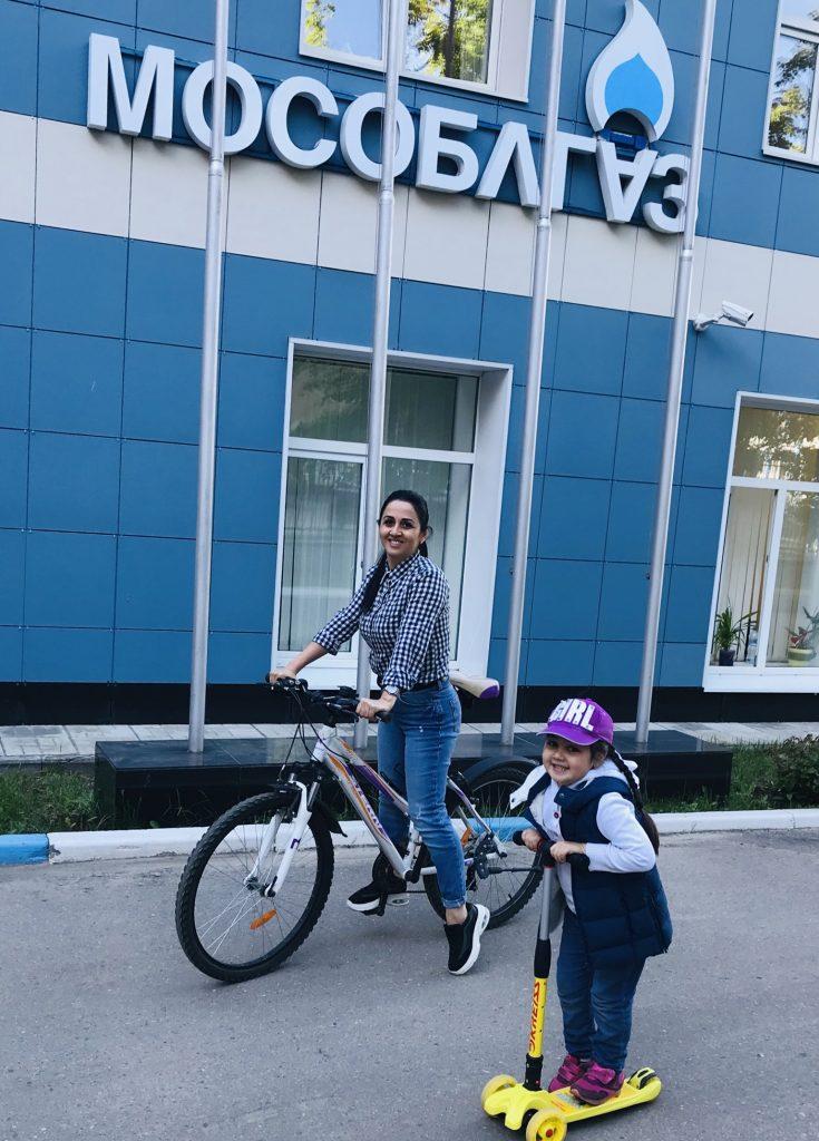 Мама на работу, ребёнок в сад! У каждого свой транспорт !