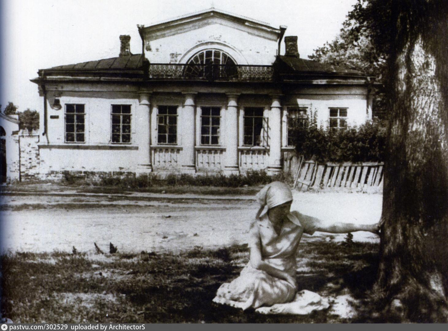 Ахматова на ул.Лазарева
