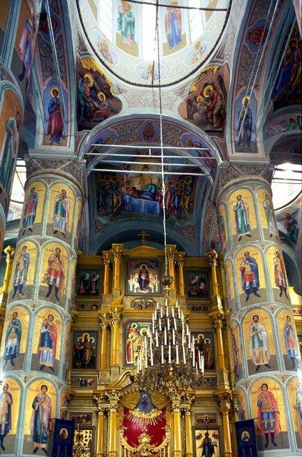 Внутри Успен. собора